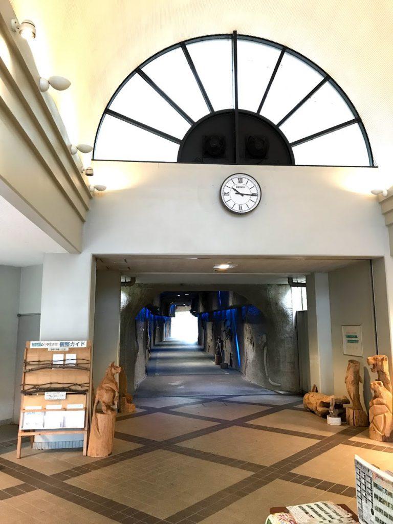 星ヶ丘門からトンネルへ