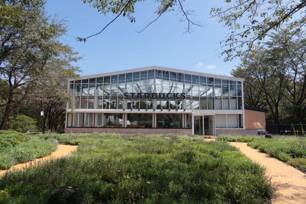 HANA・BIYORI館のスタバ。外からの写真